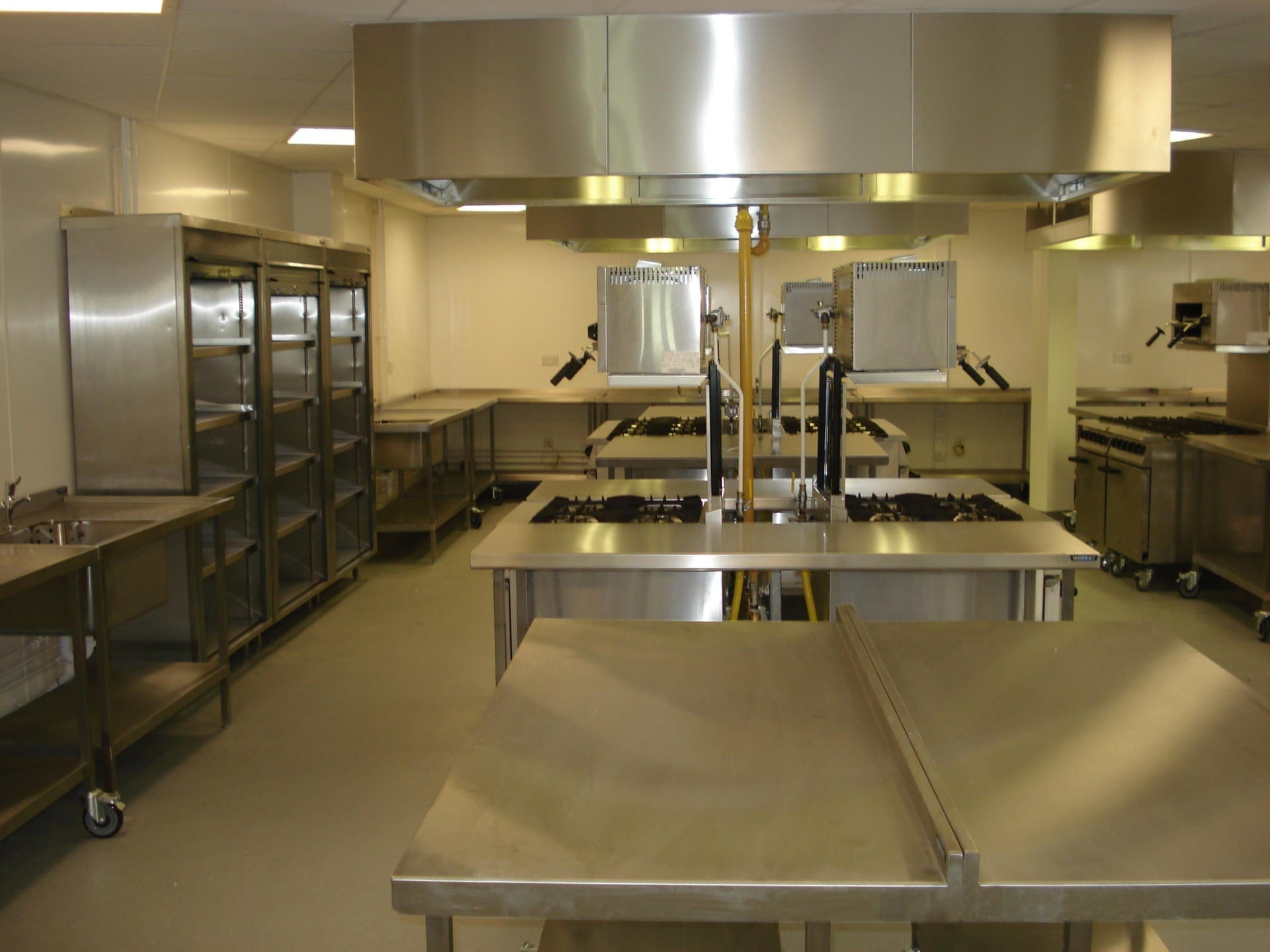 Gloucester-College-Gloucester-Servery-Stainless-Steel-fabrication-cooking-Foodtech-teaching-spacecatering_3