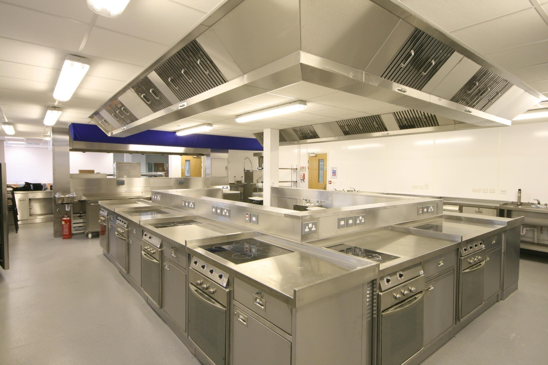 Launchpad-Gloucester-College-Training-Commercial-Kitchen-Fabrication-Stainless-Steel-spacecatering_1
