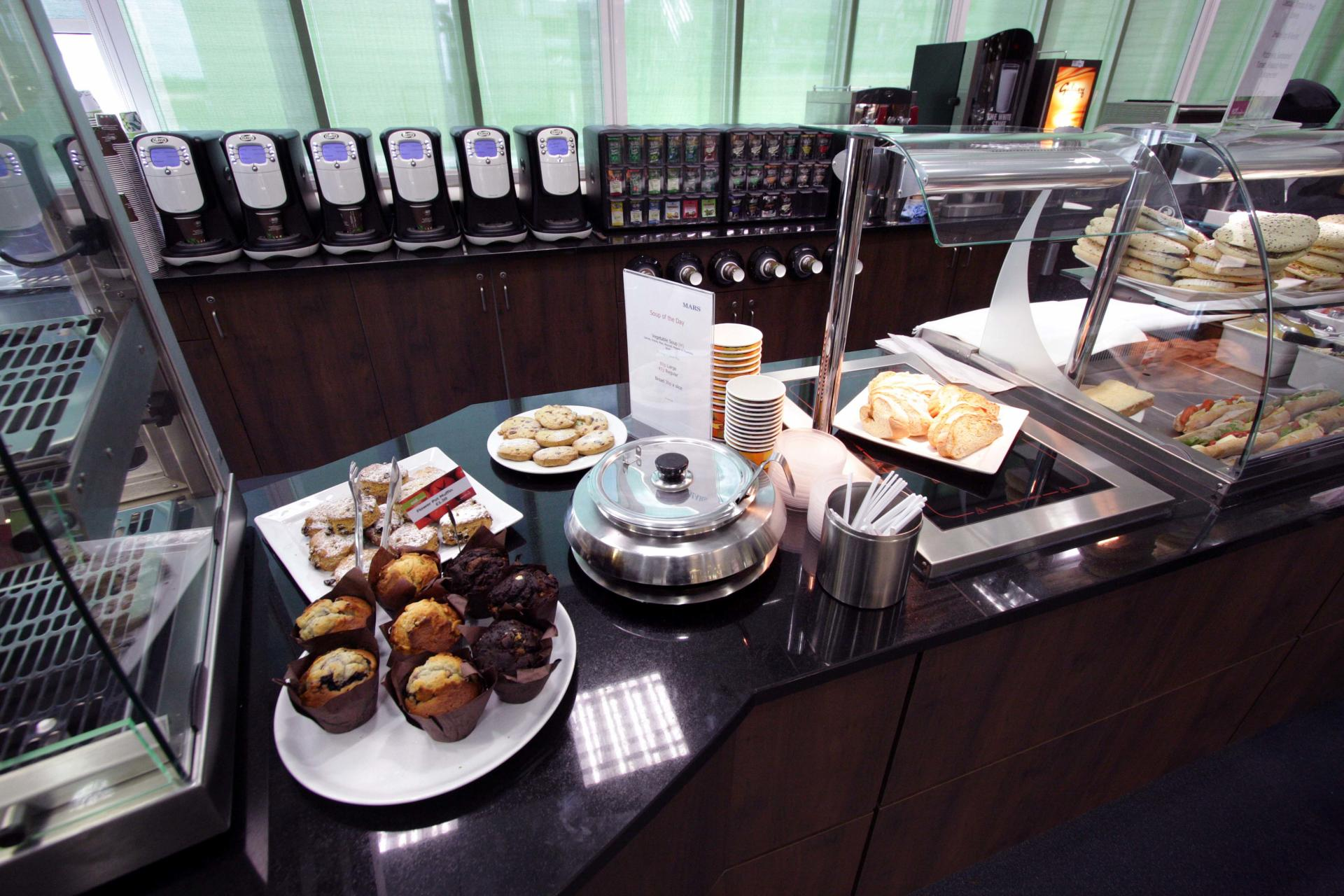Mars-Sodexo-Slough-Staff-Severy-Front-of-house-Servery-Food-Display-spacecatering_2