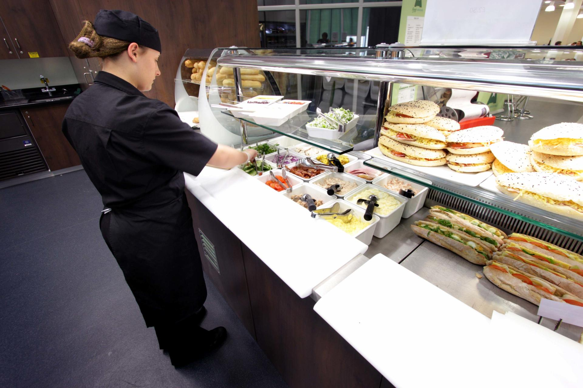 Mars-Sodexo-Slough-Staff-Severy-Front-of-house-Servery-Food-Display-spacecatering_8