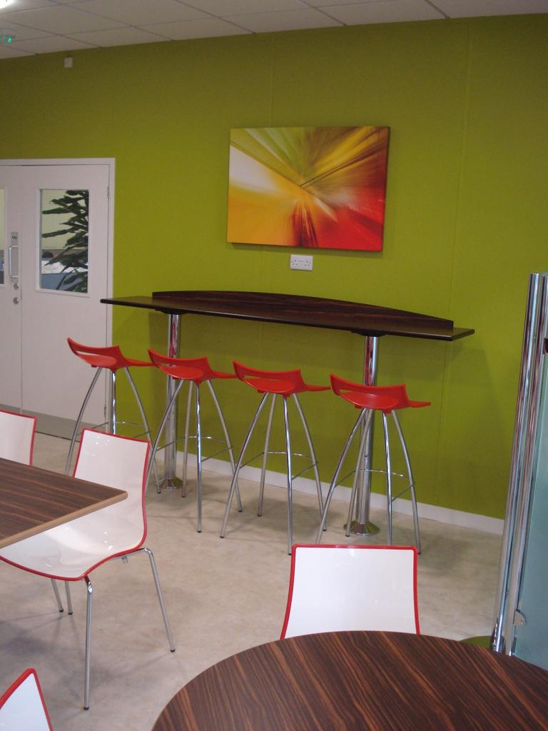 moog-tewkesbury-contract-furniture-interior-and-layout-design-scheme-outdoor-furniture-01-spacefurniture