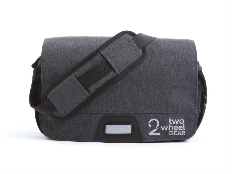 Two_Wheel_Gear_-_Mini_Messenger_Handlebar_Bag_-_Graphite_-_Mounted_-_Fr_42e8054d-60f8-4818-bd1c-d975c109a472_800x