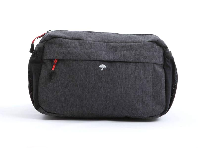 Two_Wheel_Gear_-_Mini_Messenger_Handlebar_Bag_-_Graphite_-_Mounted_-_FrontFlipped_800x